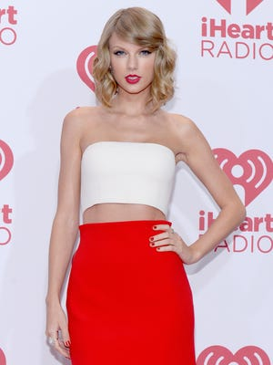 "Taylor Swift's new album, ""1989,"" faced widespread leaks on Friday."