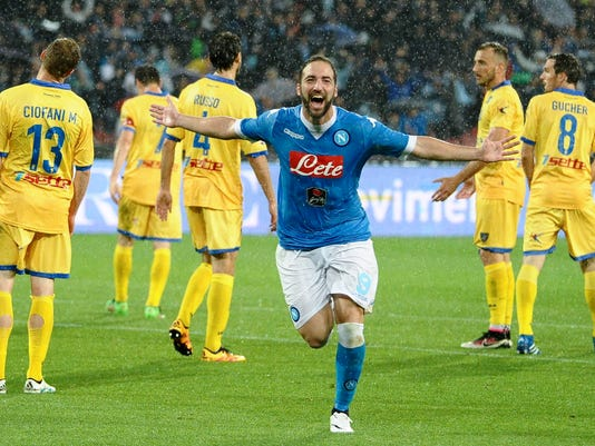 Napoli's Gonzalo Higuain celebrates after scoring during a Serie A soccer match between Napoli and Frosinone, at the Naples San Paolo stadium, Italy, Saturday, May 14, 2016. (Ciro Fusco/ANSA via AP)