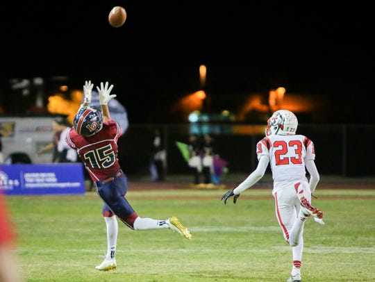 Christian Sanchez catches a long pass. La Quinta defeats