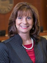 Cathy Carlat is mayor of Peoria.
