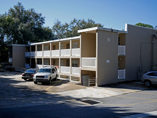 The Oaks Apartments on Lake Street. The Tallahassee-Leon