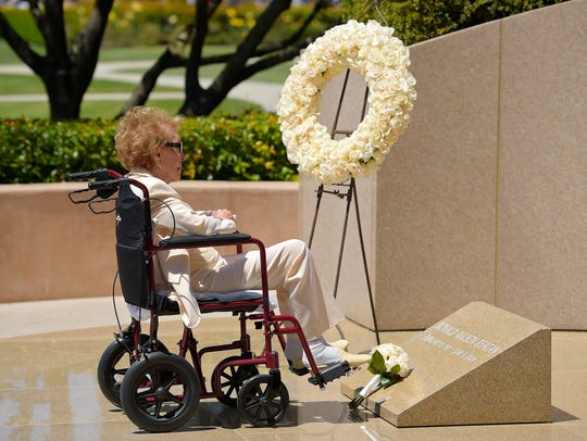 Former first lady Nancy Reagan visits the grave site