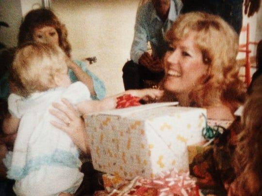 Jessica Goff and her mother, Amanda Evans