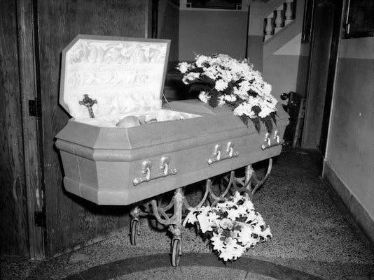 Paul_Eitner_casket