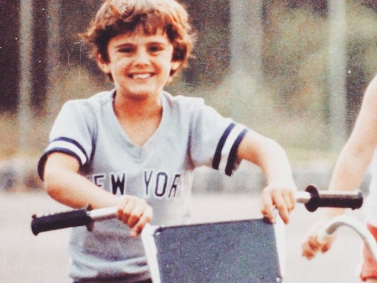 Gary Vaynerchuk outside his house in Edison in 1985.
