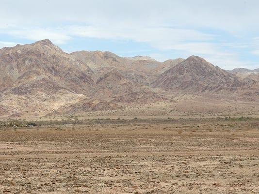 -choco mountains18.jpg_20130819.jpg