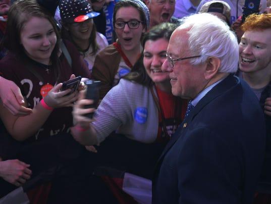 635899989685584284-2016-Feb-1-Caucus-Night-Bernie-Selfie-2.jpg
