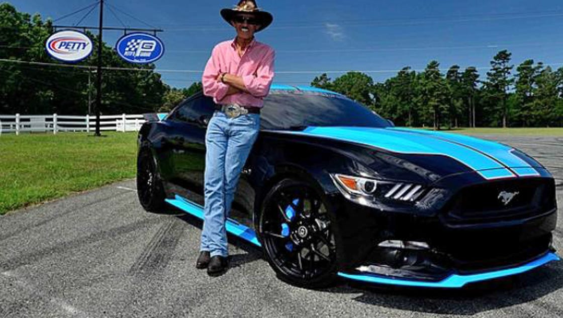 Dodge Challenger Petty Edition >> Richard Petty boosts Ford Mustangs to 727 horsepower