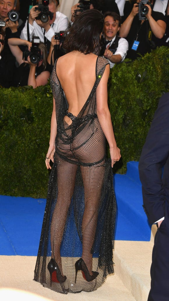 Jenner's look from the back.