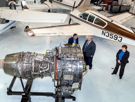 636112838836574407-MTSU-aerospace-engine-donation-3.jpg