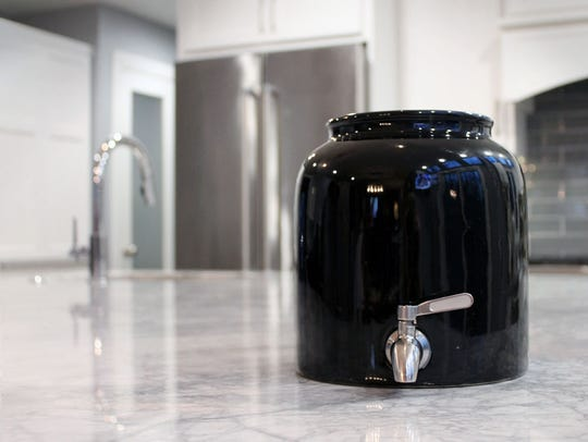 The Sauerkrock also comes with a tap, in black or white.