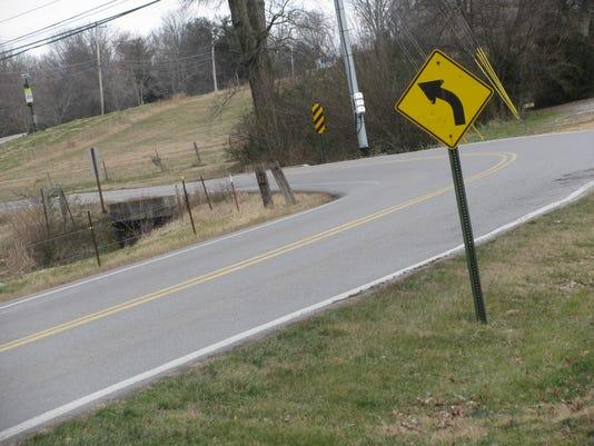 Curvy road.JPG