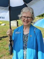 Alice Yarbro Holtin, DAR Registrar, recognizes the