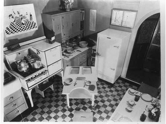 Lillian_Gilbreth_Kitchen_Practical_Photo