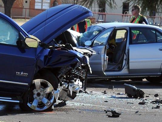 One-killed-in-head-on-crash-on-Loop-11-2.jpg