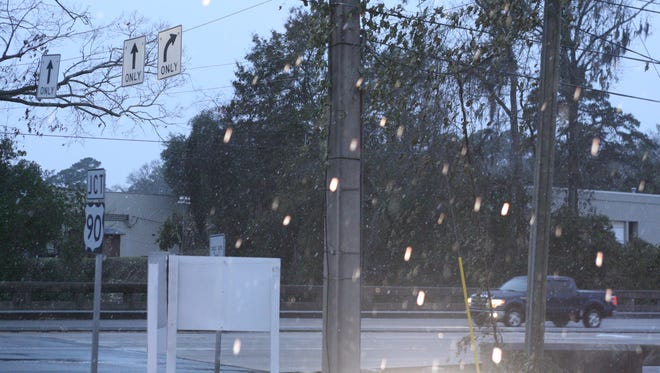 Tallahassee was seeing a relatively rare mix of light snow, sleet and freezing rain this morning.