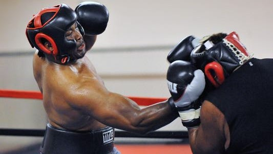 Quian Davis will fight for a state heavyweight title on June 1 at the Showboat in Atlantic City.