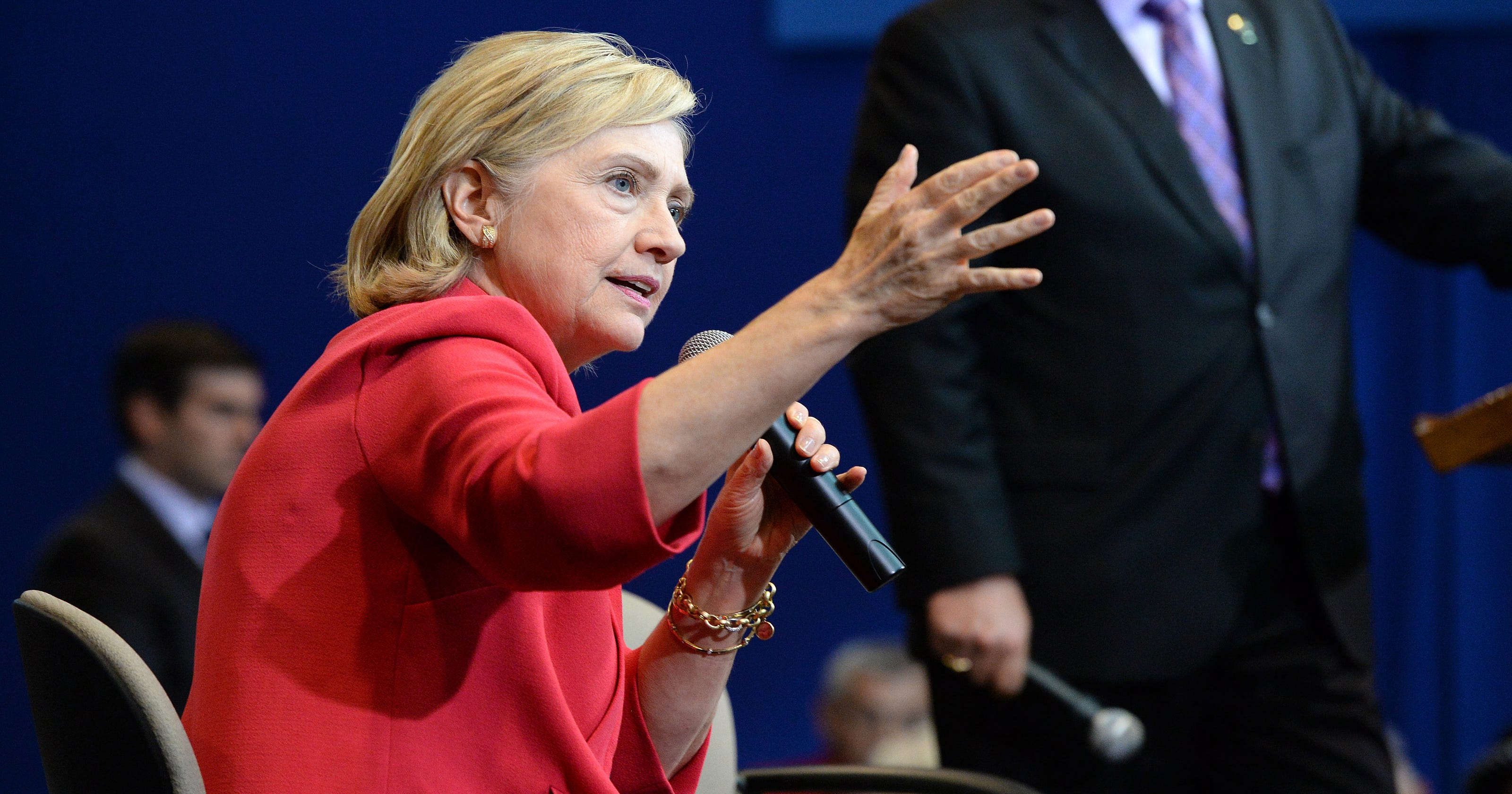 Clinton campaign hits Scott Walker over SC remarks on race