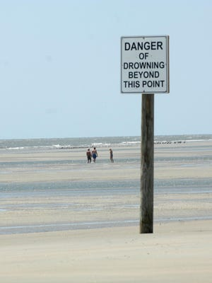 Many Tybee visitors are oblivious to warning signs, one Vox Populi writer says.
