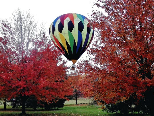 A leaf-peeping fall foliage expedition takes place