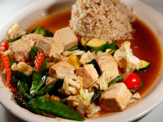 The Veggie Delight with tofu and brown rice served at Cool Basil.