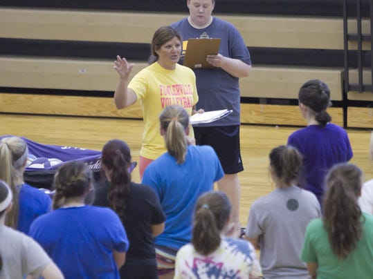 FHS volleyball tryouts_01