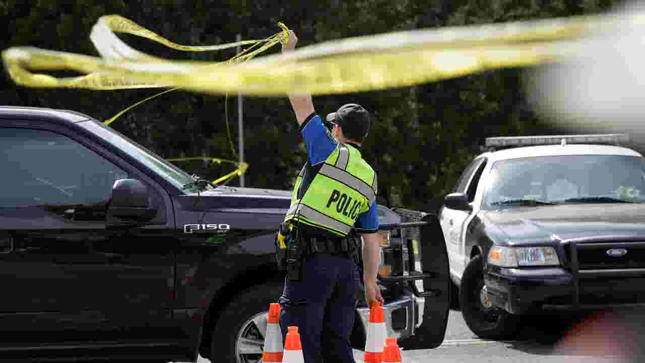 Austin Bombings Blast At Fedex Facility May Narrow Search For Suspect