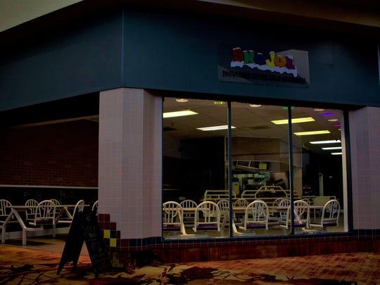 Sno Joe in Sunset Mall.