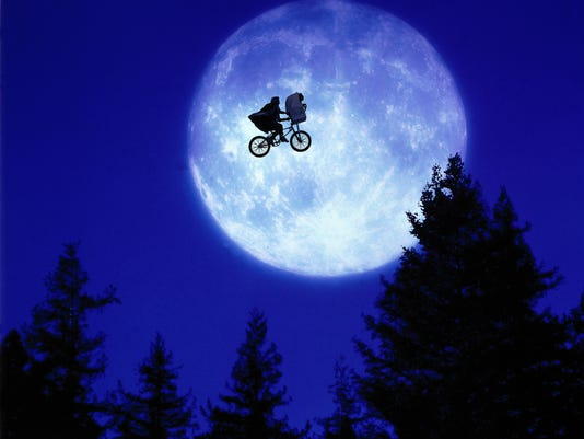 636409141073678277-E.T.---Over-the-Moon.jpg