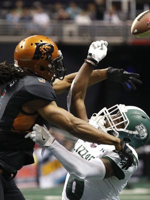Rattlers' Anthony Amos (5) and Blizzard's Darrius Sims (6)  at Talking Stick Resort Arena on March 18, 2018 in Phoenix, Ariz.