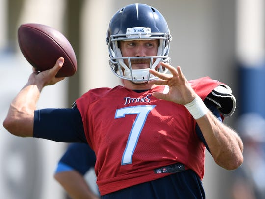 Titans quarterback Blaine Gabbert (7) throws a pass