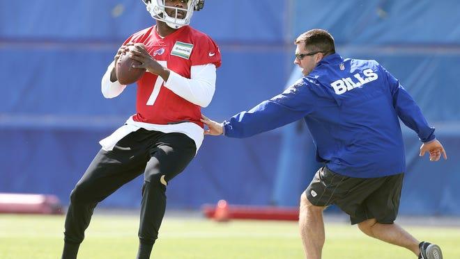 Bills rookie quarterback Cardale Jones steps up against simulated pressure.