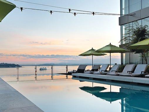 PropertyImage_FourSeasonsHotelSeattle_Hotel_Pool_CreditFourSeasons