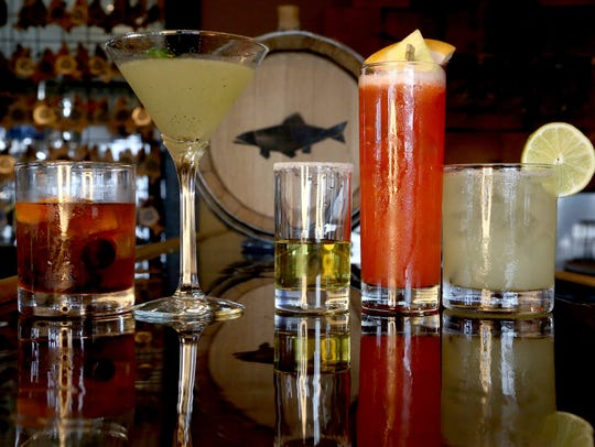 Various kinds of drinks containing bourbon, rum, gin