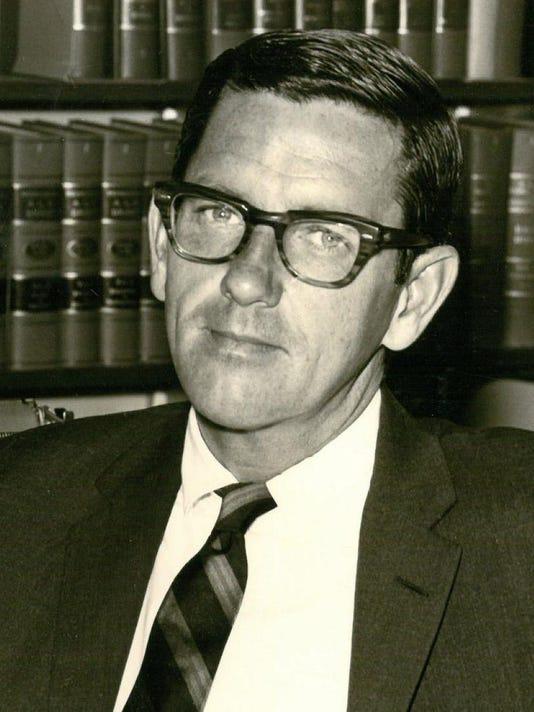Obituary: Robert D  Hursh