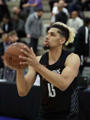 The father of ex-Louisville recruit Brian Bowen has testified that a former assistant coach gave him cash.