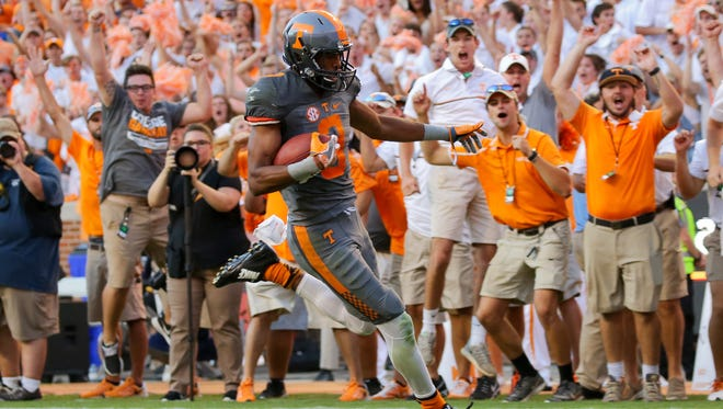 This fourth-quarter touchdown by Tennessee WR Josh Malone put the Vols up by 10 points Saturday.
