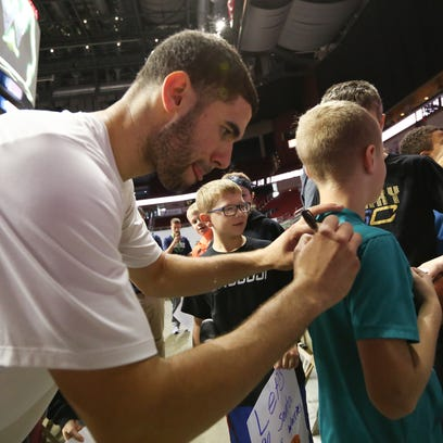 Former Iowa State star Georges Niang meets with fans