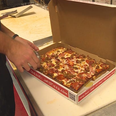 Jet's Pizza in Middletown expects record-breaking pizza