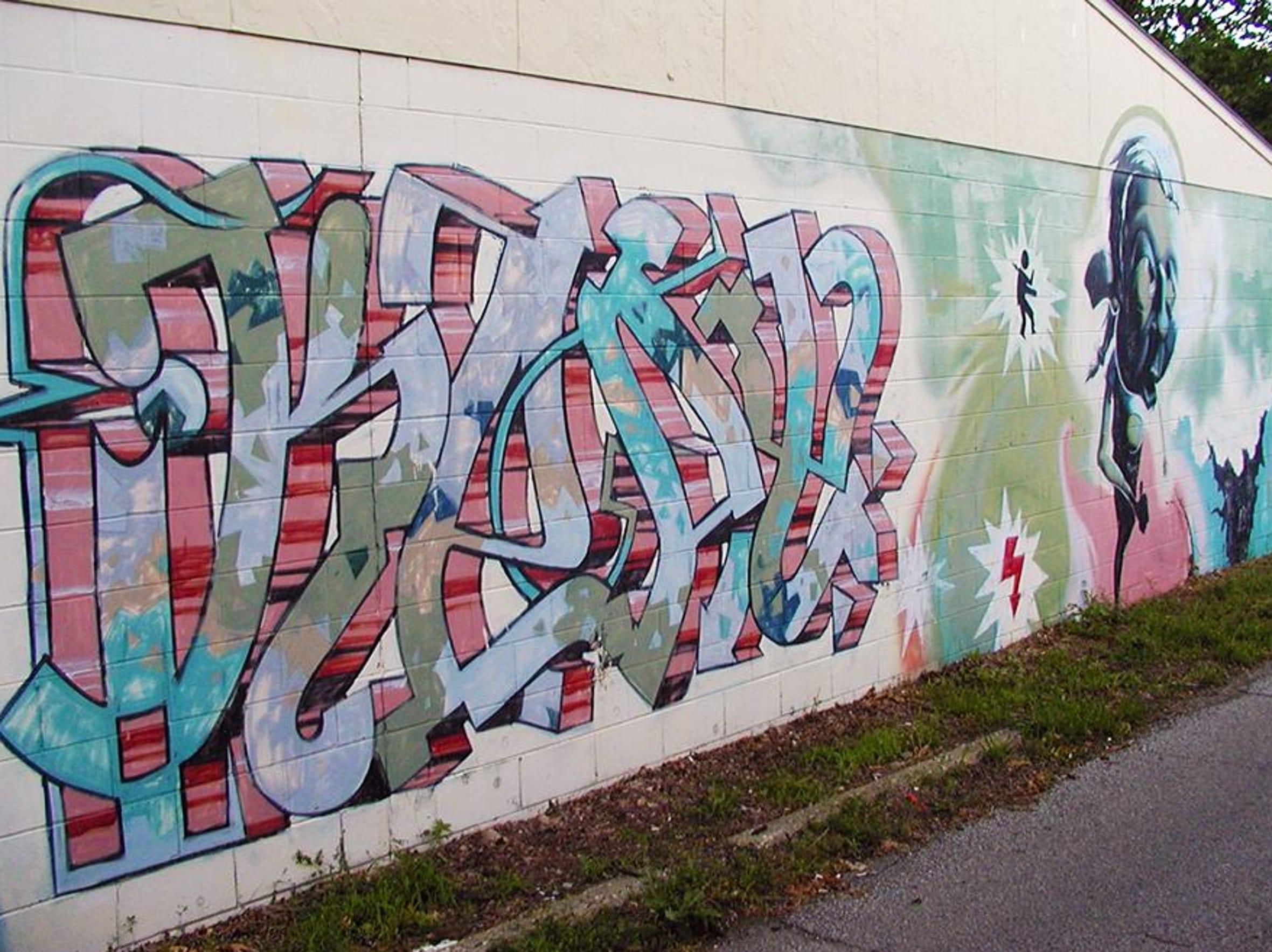 Interactive graffiti wall uk - U Bar Barry Wl Mural