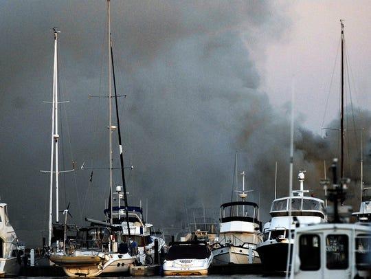 -DCA 0827 sturgeon bay marina fire.jpg_20140825.jpg