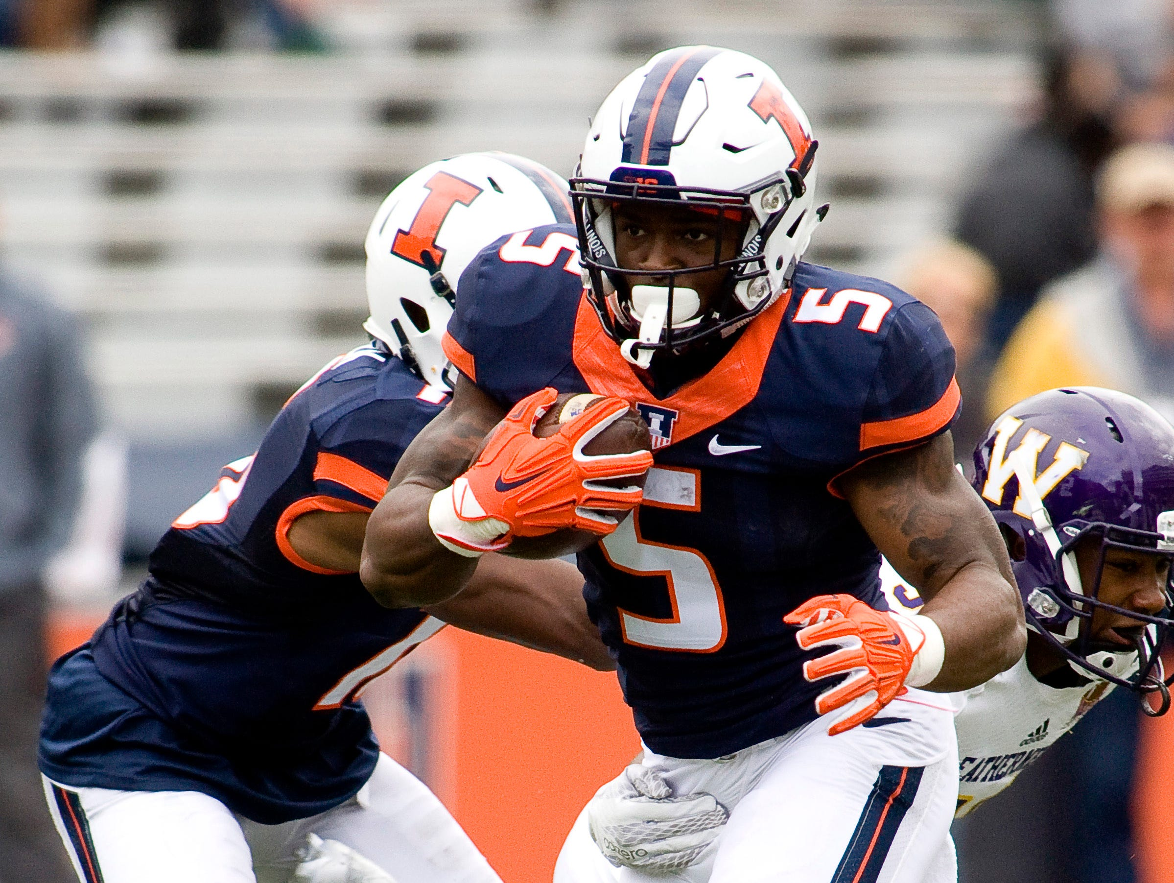 Illinois running back Ke'Shawn Vaughn (5) ran for a team-leading 723 yards and six touchdowns as a freshman in 2015.