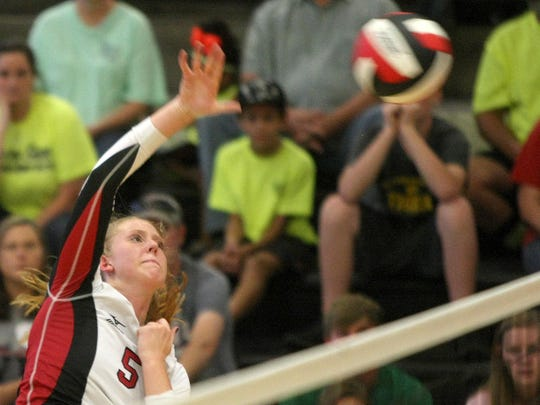 South Side's Shea Dean (5) attacks the ball against Lexington during the District 14-AA championship on Thursday.