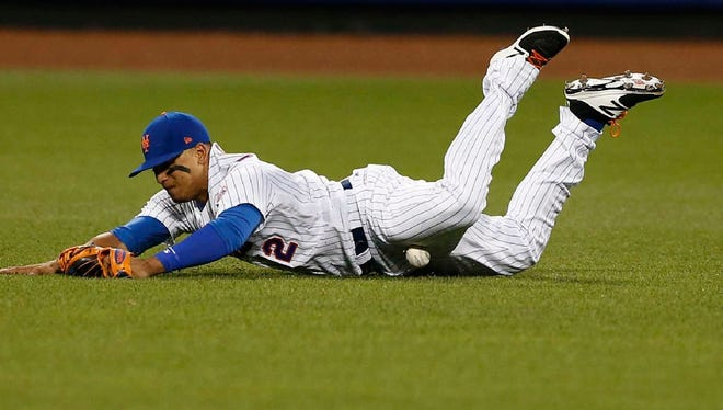 Juan Lagares injured himself while diving on this play Thursday.