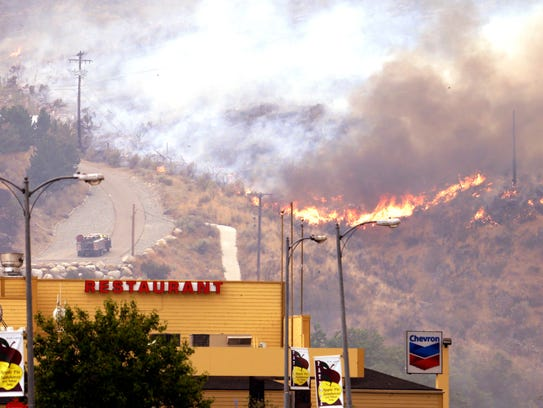 Flames near Paternos, Wash., businesses