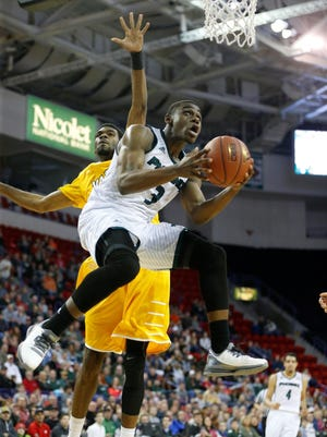 UWGB guard Khalil Small had a team-high 14 points in a loss to Valparaiso on Sunday at the Resch Center.
