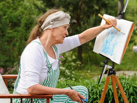 painting pictures outdoors