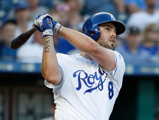 Mike Moustakas will play third base for the Brewers;
