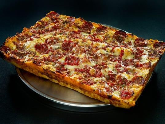 636505791996400508-Buddy-s-Pizza-Detroiter.jpg