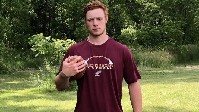 Lukas Tinkham, a 2020 Abingdon-Avon High School grad, will continue his football career at Eureka College.